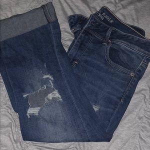 Medium wash kick cropped jeans